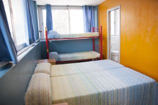 be-dream-barcelona-hostel-rooms-07