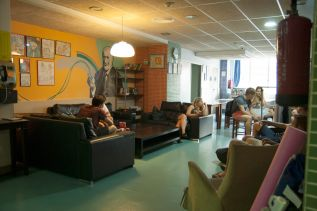 be-dream-hostel-barcelona-common-areas-16