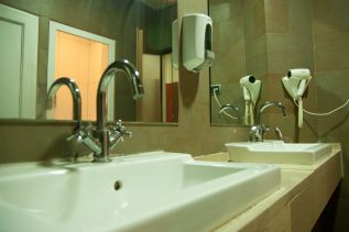 be-hostels-zaragoza-facilities-04