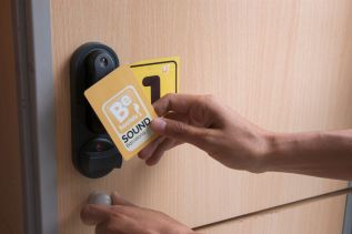 be-sound-hostel-barcelona-rooms-11