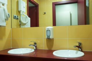 be-sound-hostel-barcelona-rooms-12