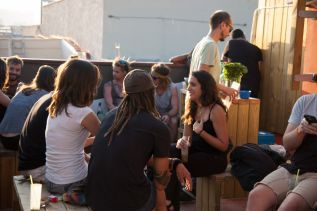 be-sound-hostel-barcelona-terrace-01