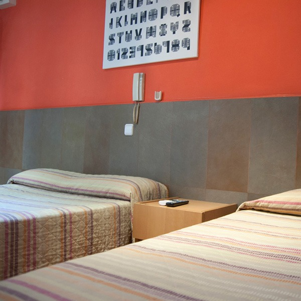 be-ramblas-hostel-best-location-single-double-room