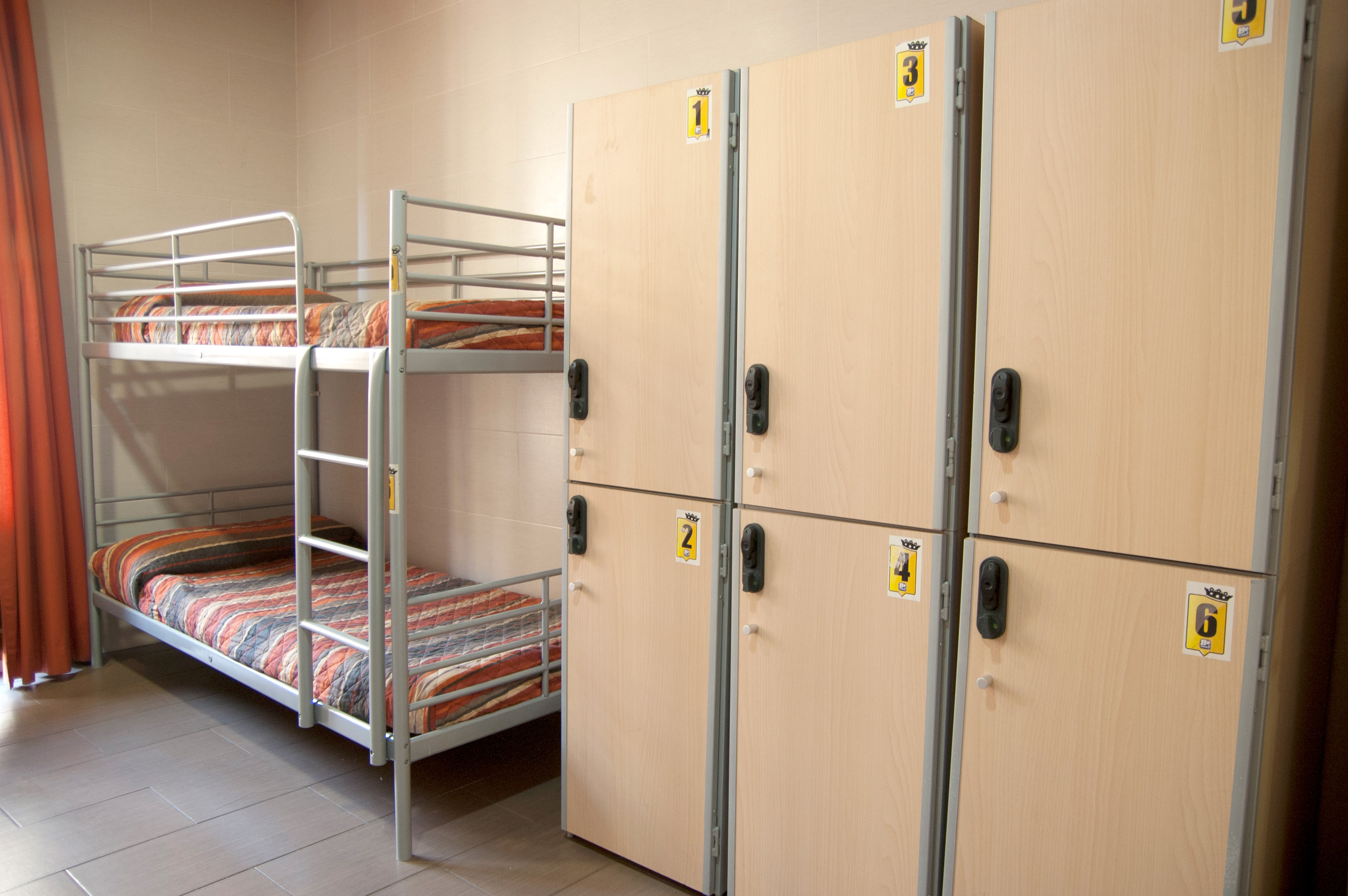 be-hostels-zaragoza-rooms-01