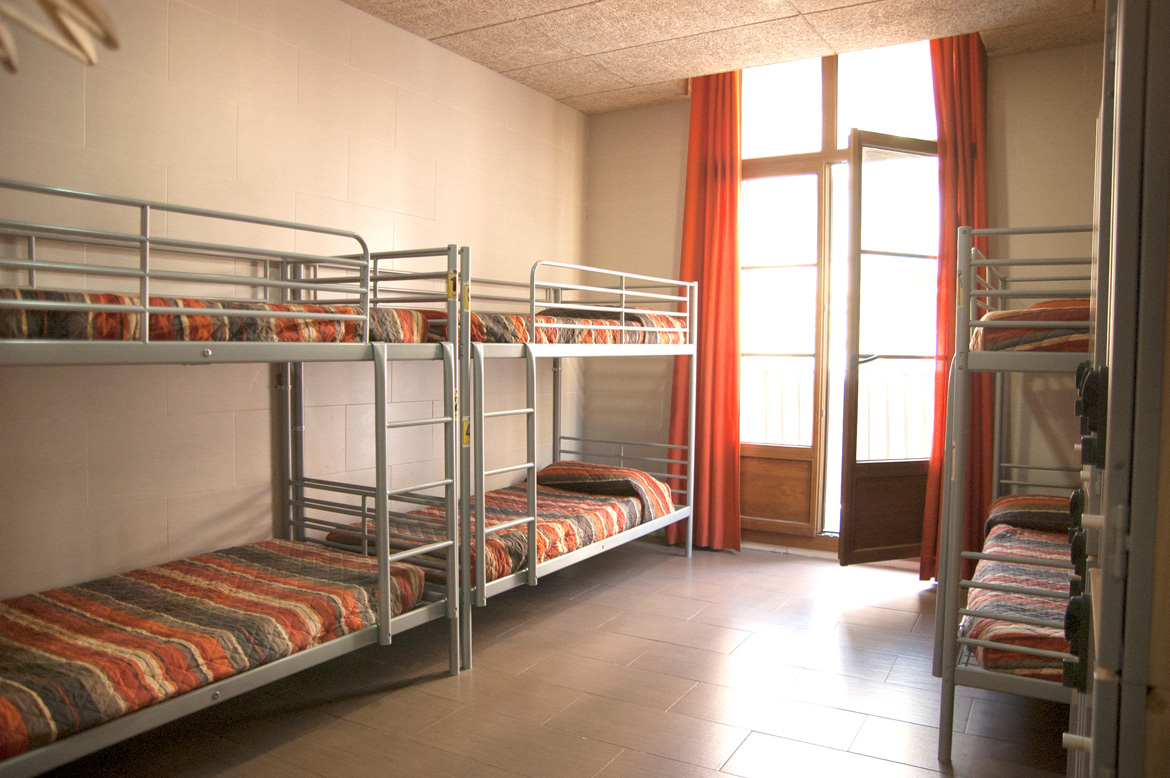 be-hostels-zaragoza-rooms-03