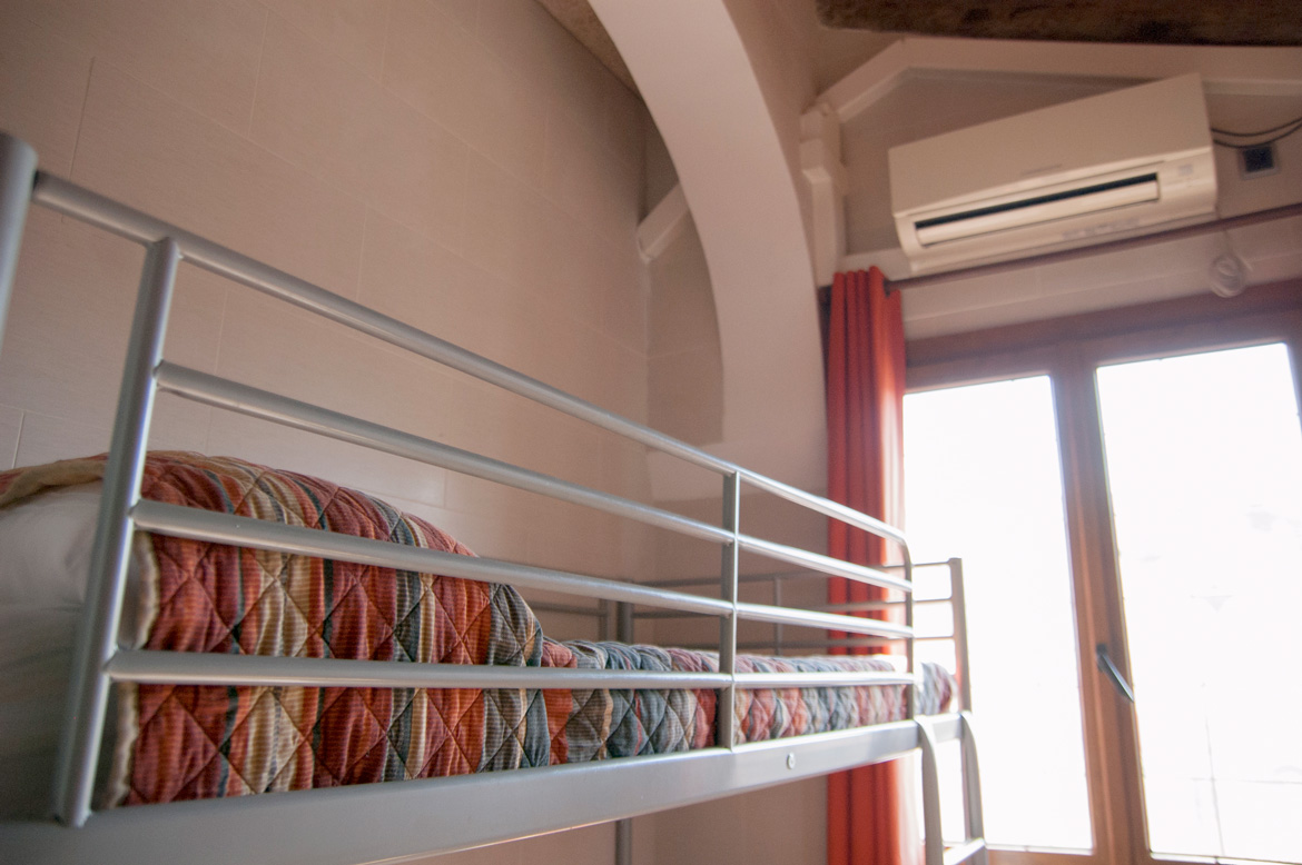 be-hostels-zaragoza-rooms-11