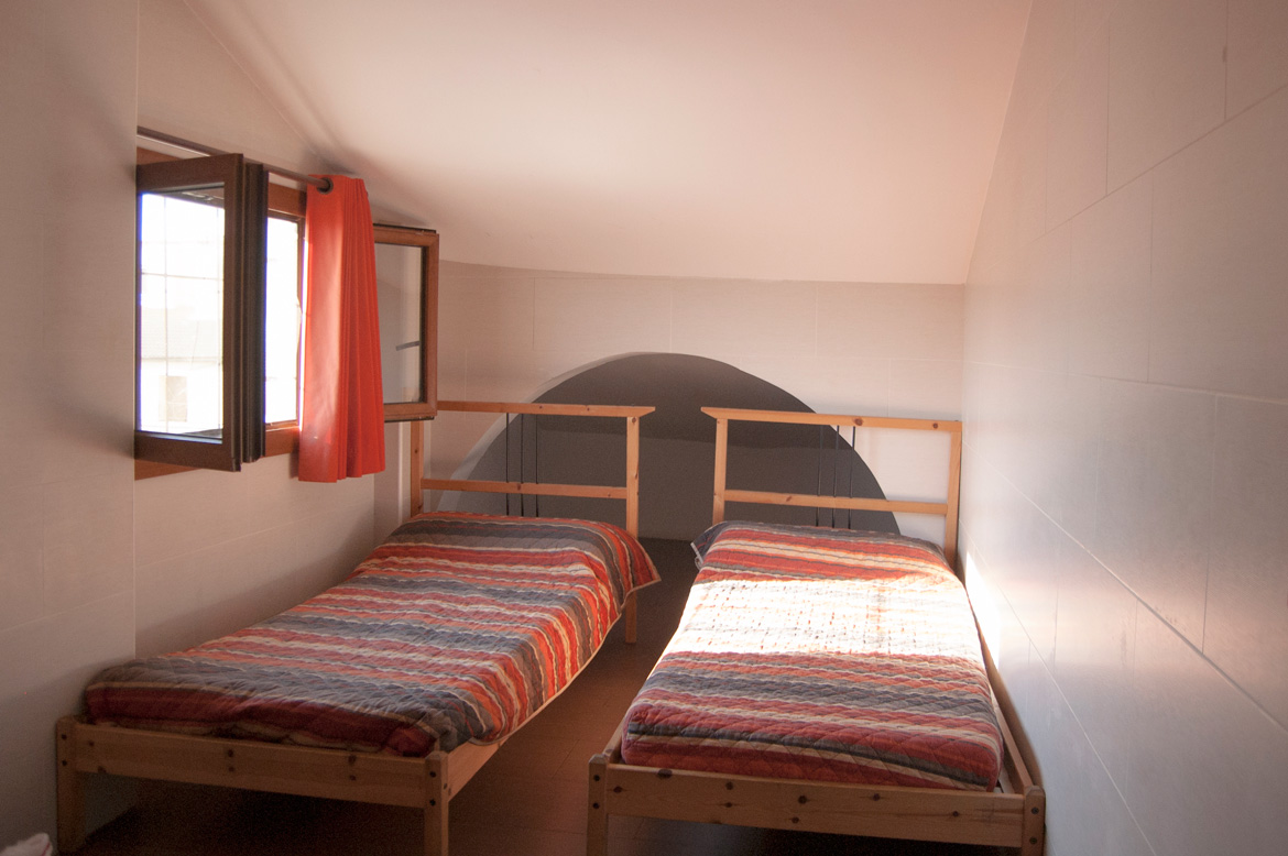 be-hostels-zaragoza-rooms-12